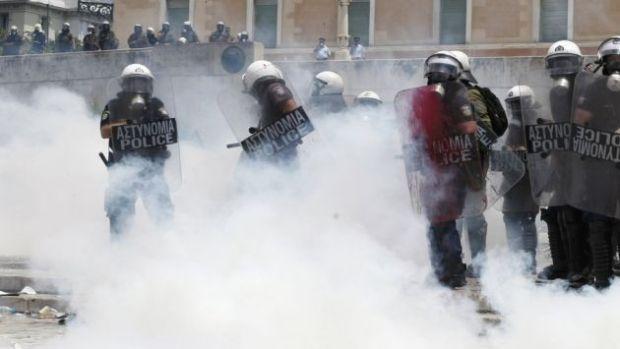 Παραβίαση ανθρωπίνων δικαιωμάτων η ρίψη δακρυγόνων κατά διαδηλωτών