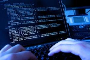 parakolouthiseis ypoklopes hacker attack