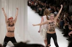 femen paris moda show 27 09 2013 1