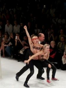 femen paris moda show 27 09 2013 6