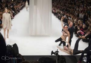 femen paris moda show 27 09 2013 7